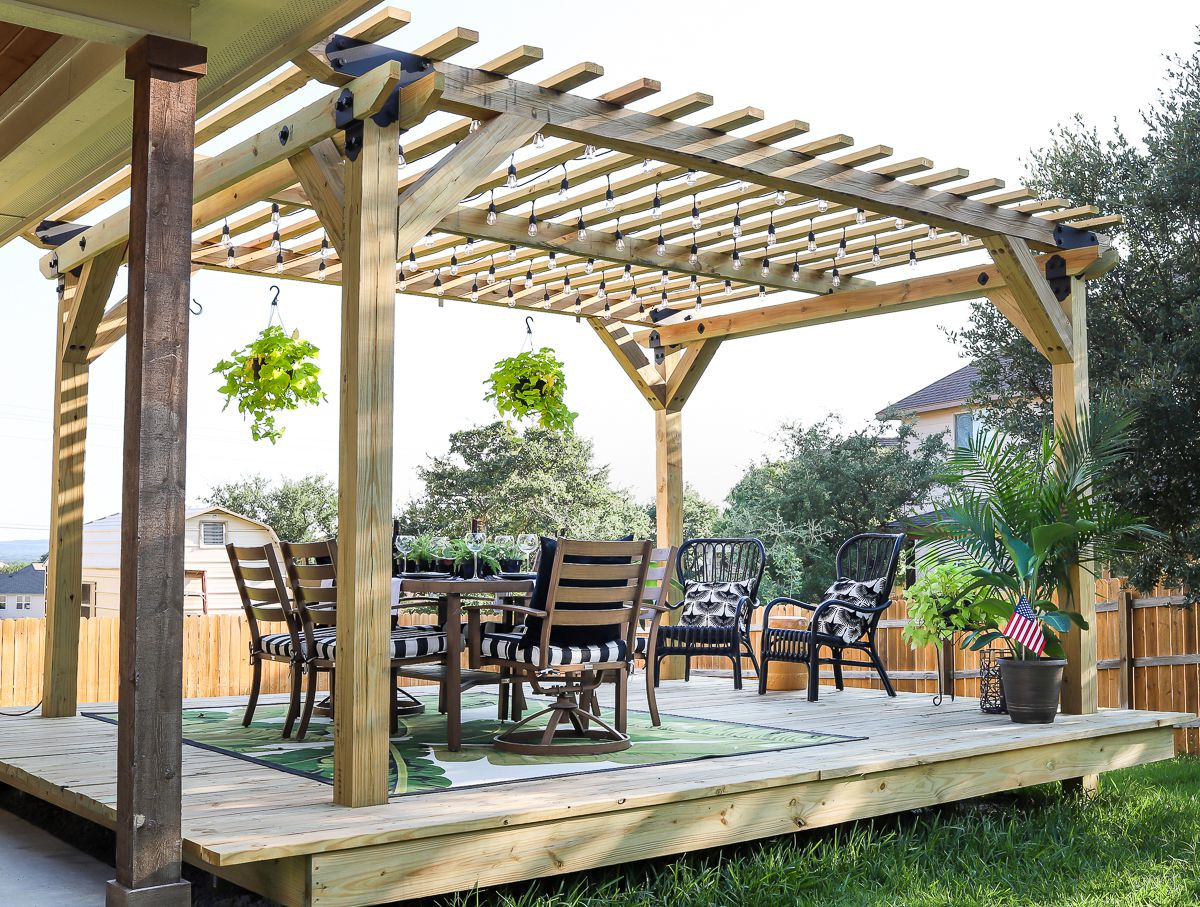Pergola Designs for a Heavenly Garden
