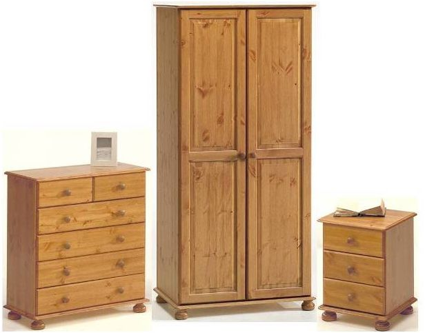 Pine Wardrobes u2013 A choice of Rustic Style and Durability