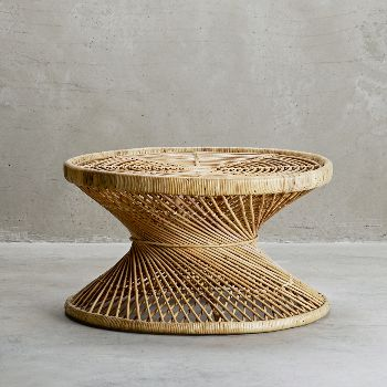 This Palma Rattan Coffee Table is a beautiful piece of classic retro