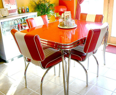 love this cool retro dining set! which also makes me retro! we had a