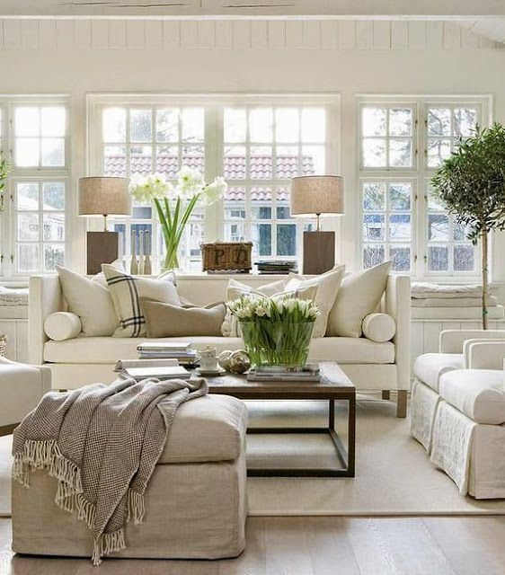 white and off white traditional living room | Living Room Design
