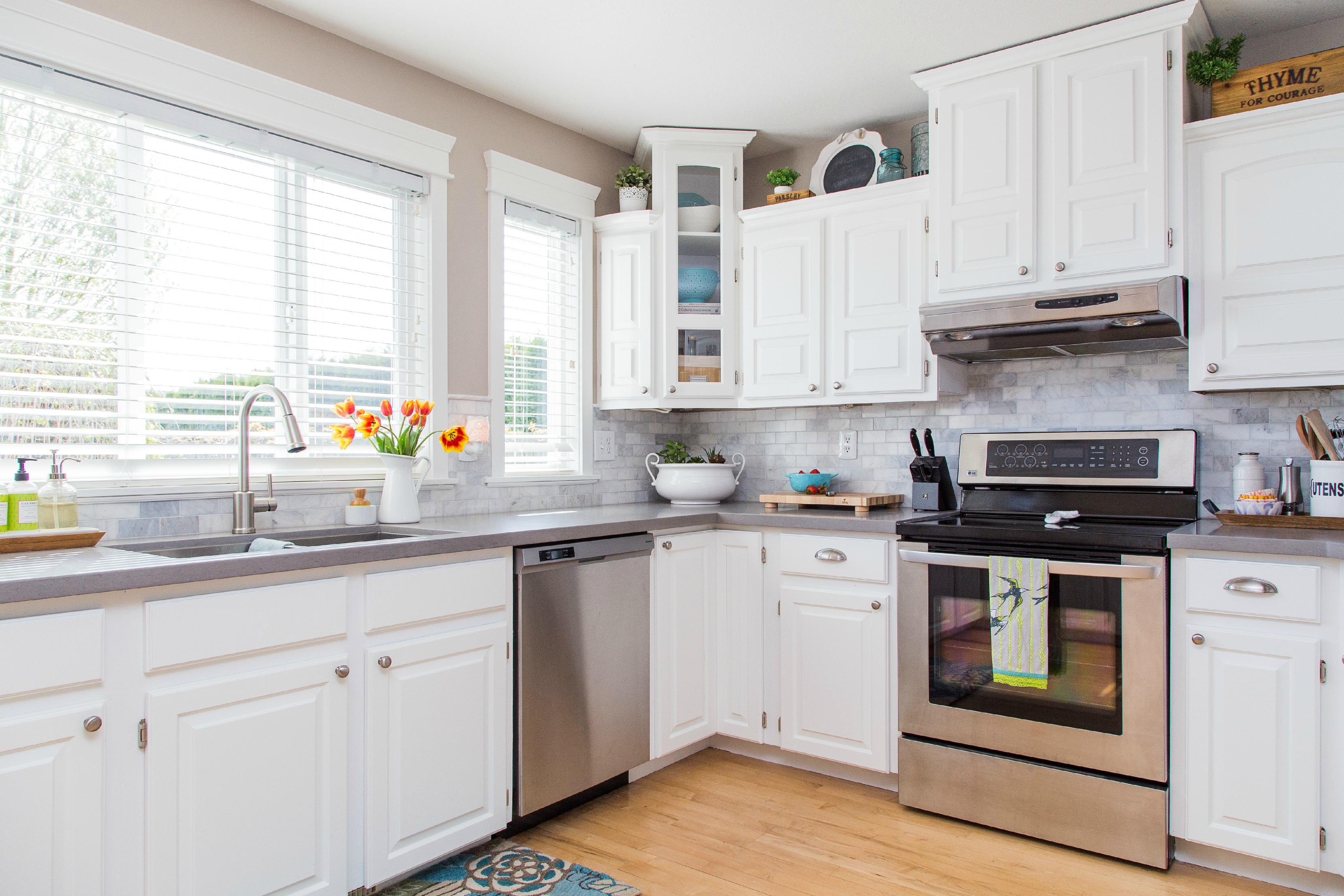 White Kitchen Cabinets: The Best Storage Option For Your Kitchen