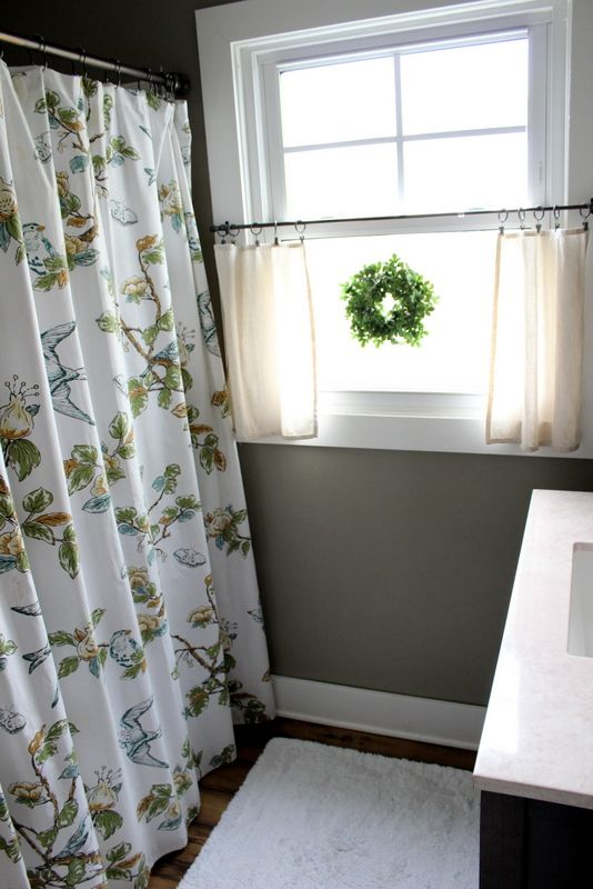 bathroom window curtains i love the little wreath and the neutral airy curtains that allow TZVCDOD