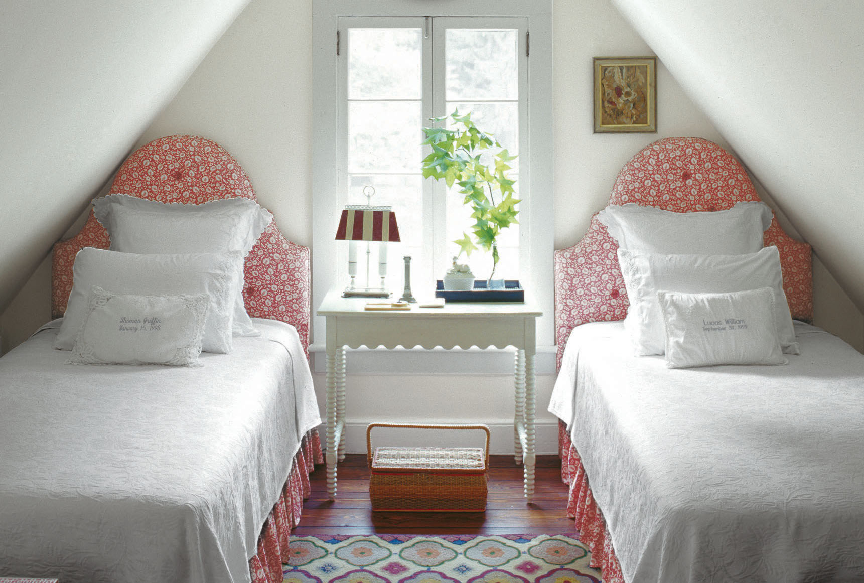 bedroom designs for small rooms 31 small bedroom design ideas -decorating tips for small bedrooms FONROAM