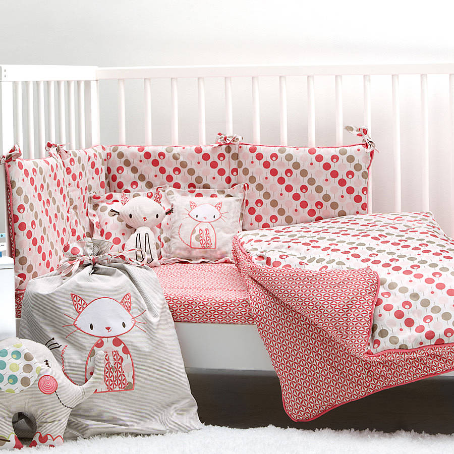 Cot bedding sets and cot beds advantages