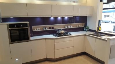 ex display kitchens avior kitchen in white QEUXSDA