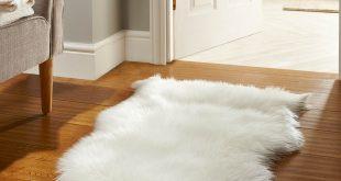 faux fur rugs in white LIIIMKN