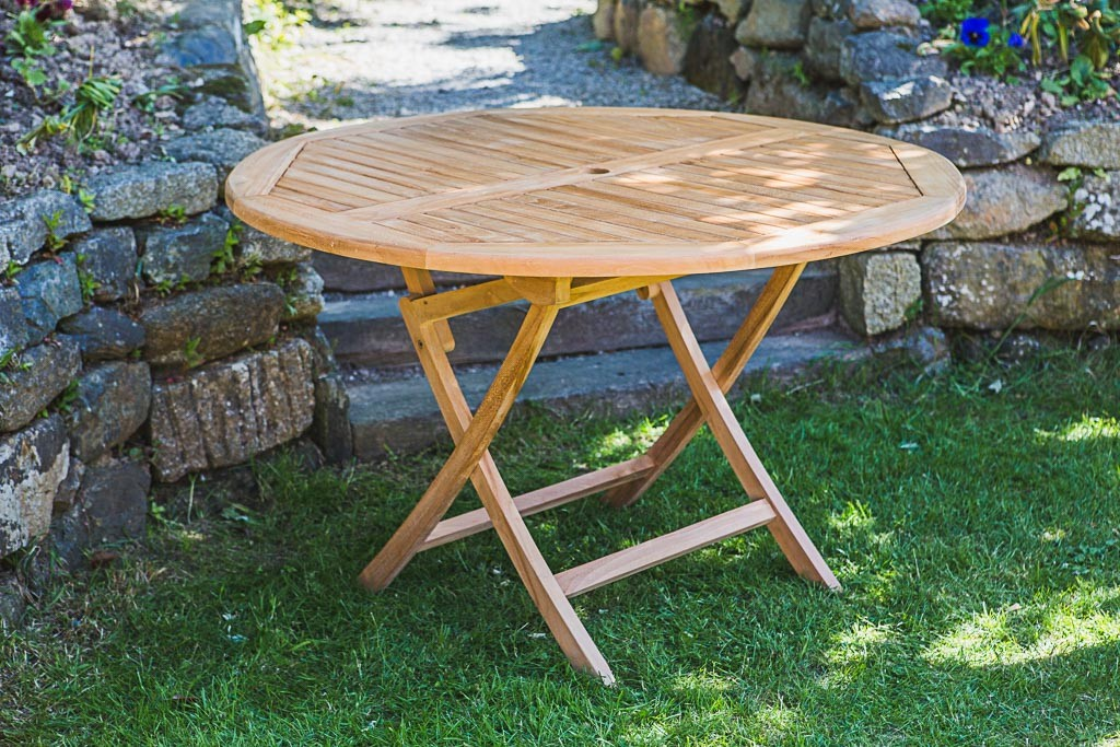 Great Garden Table for your home