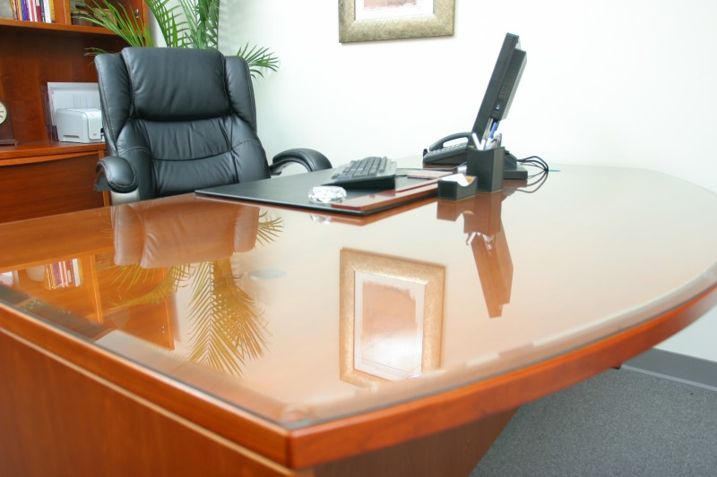 Choosing Glass Table Top For Your Home