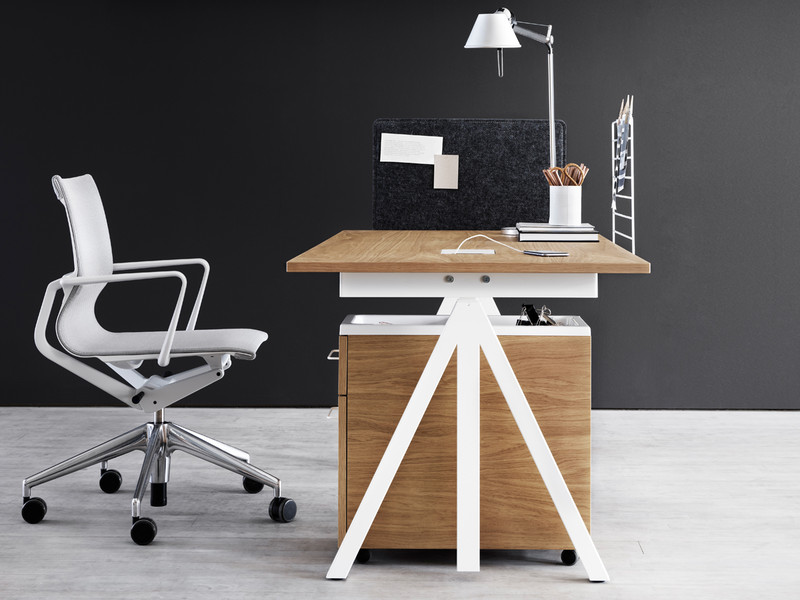 Money Saver – Height Adjustable Desk