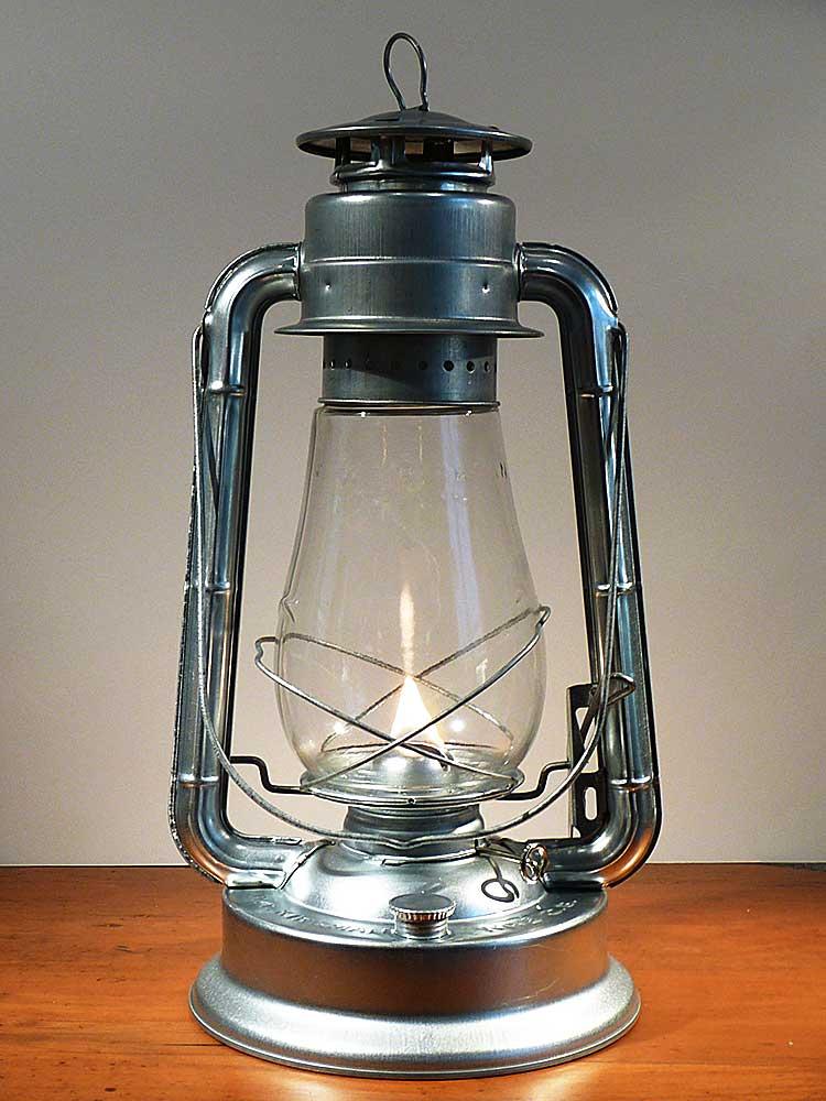 hurricane lamps w.t. kirkman champion hurricane lamp VTNGPHF