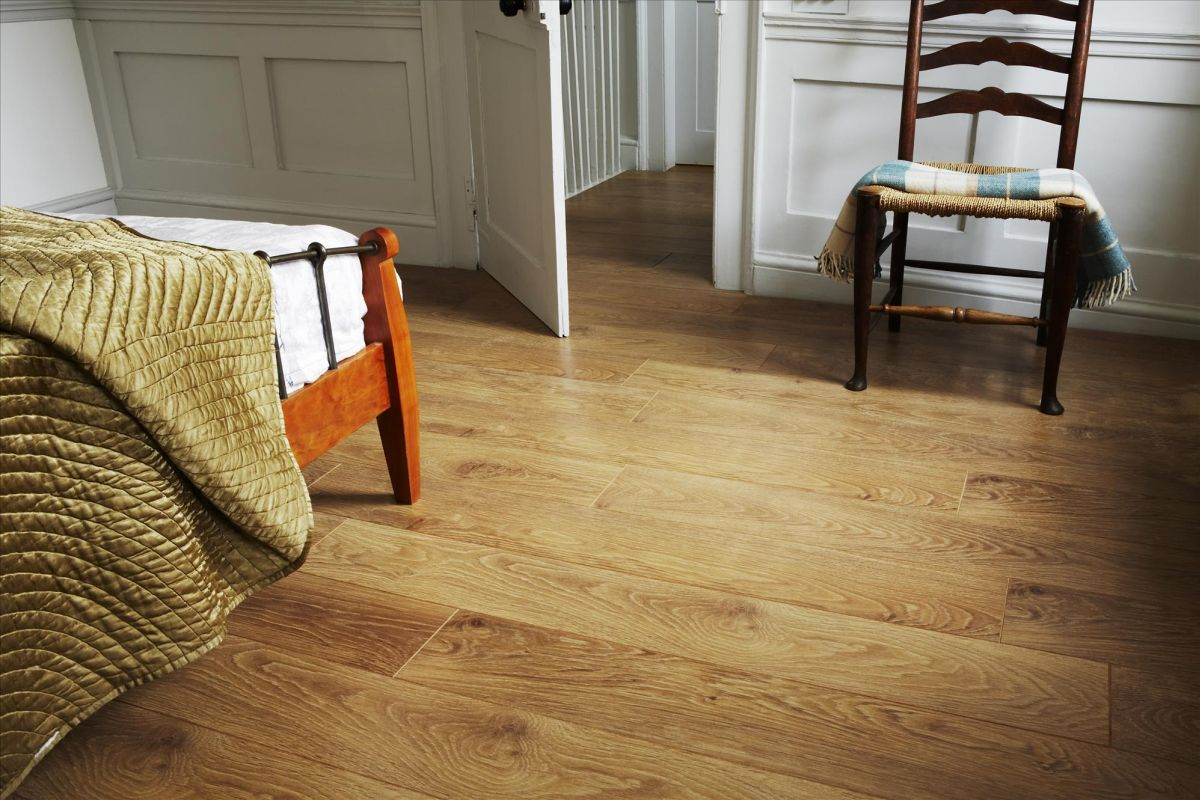 laminate wood flooring cozy bedroom with laminate wood floor MBRAGUZ