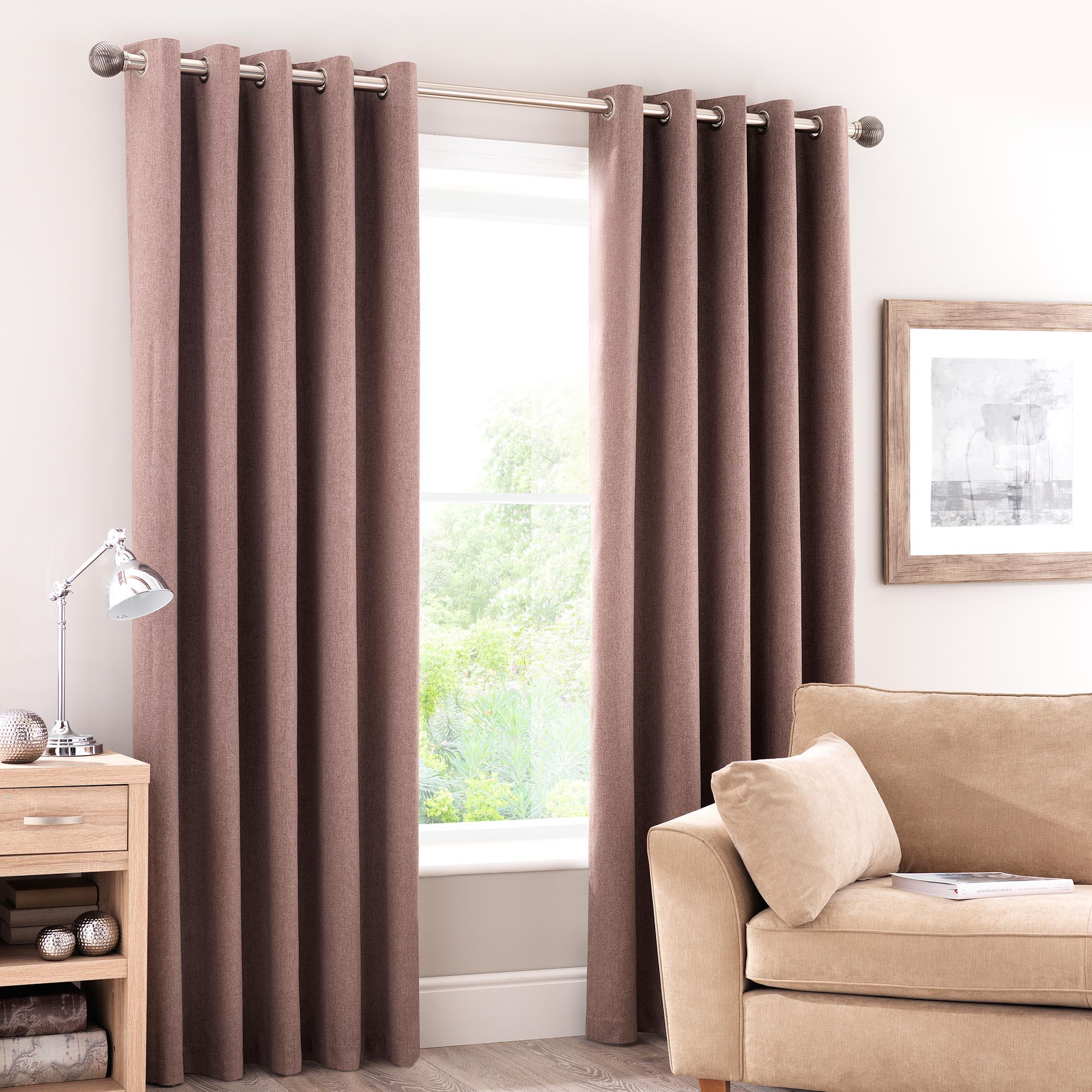 Advantages of Having Eyelet Curtains
