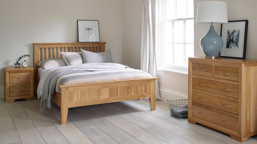 Oak Bedroom Furniture for Added Glory  of Pure Wood