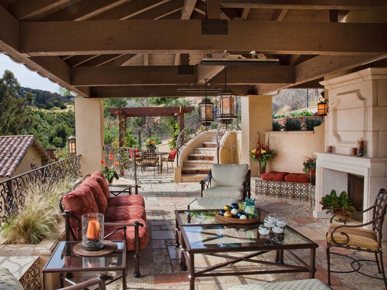 outdoor living courtyard dining FUUPREC