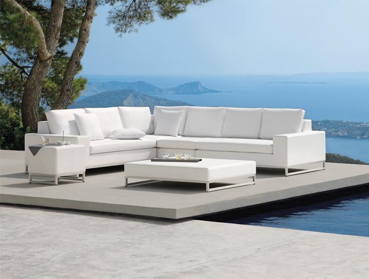 perfect garden with modern garden furniture MGSLIPM
