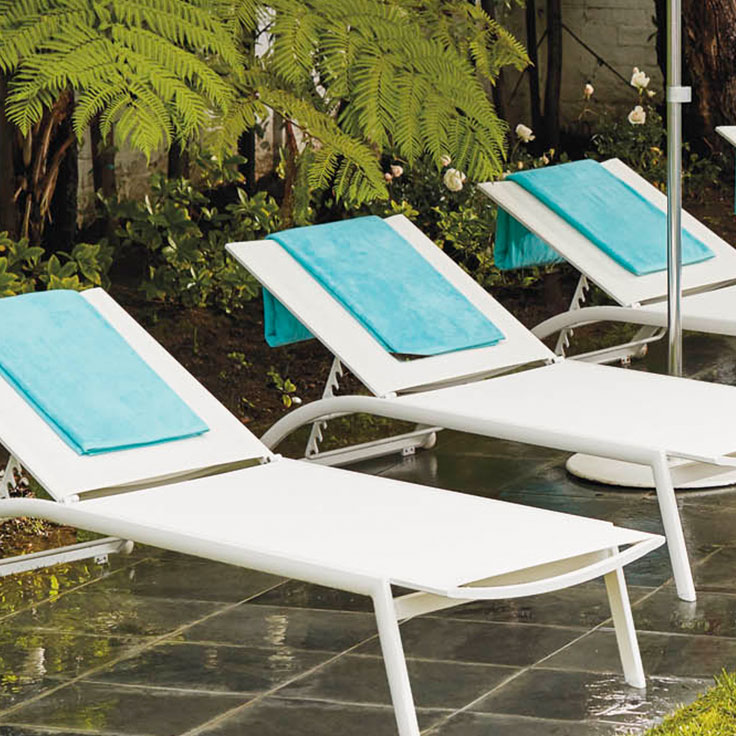 pool furniture chaises and poolside seating FXPDRRF