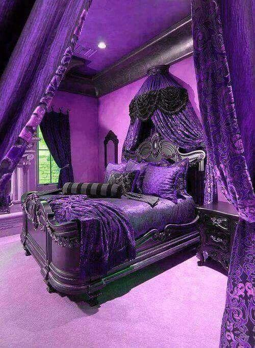 purple bedroom wow...now here is a purple lovers dream bedroom ! CWAHSTO