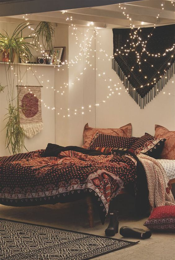 string lights for bedroom https://i.pinimg.com/736x/e5/58/27/e5582751ad4c7d6... UPEQMZO
