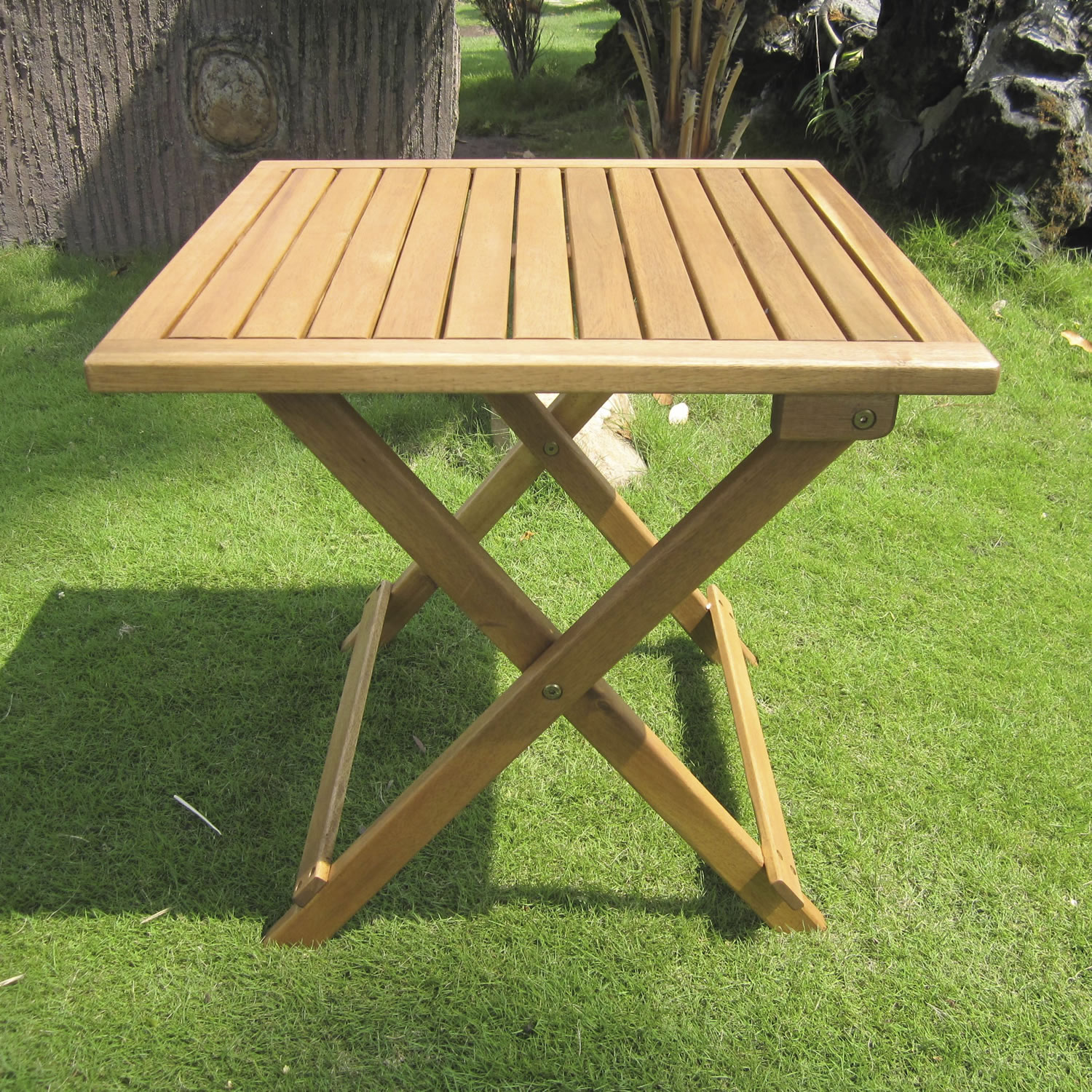 the lightweight tables are easy to move. the garden table should have ATZEGPD