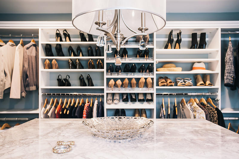 walkin closet ... walk-in closet master bedroom closet ... WQEPELA