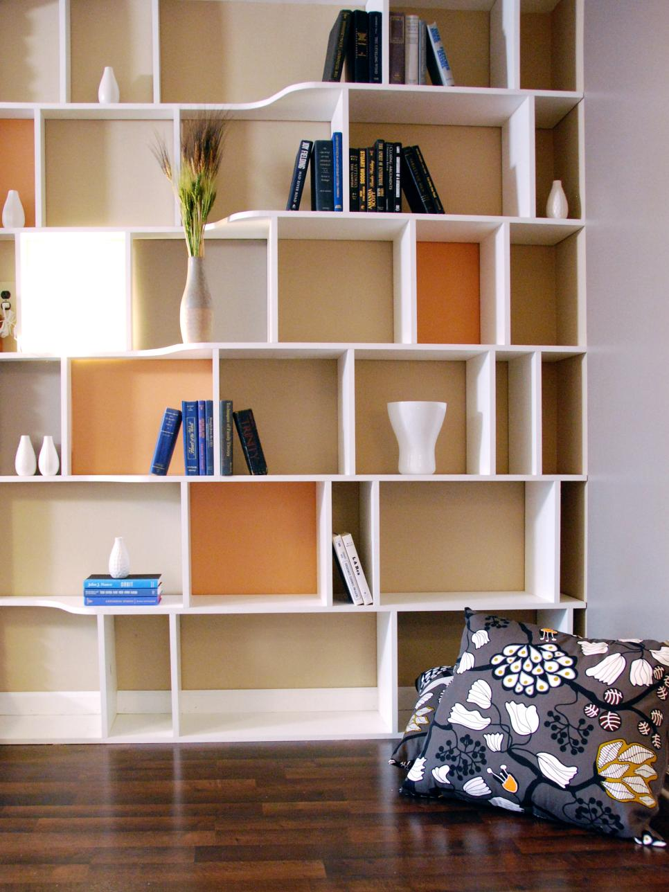 WALL DECORATION : WALL SHELVING