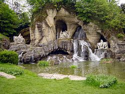 water gardens bosquet of the baths of apollo, in the gardens of versailles OFWGRJJ