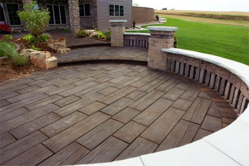 wood stamped concrete using wood hardiplanks TAYEFET