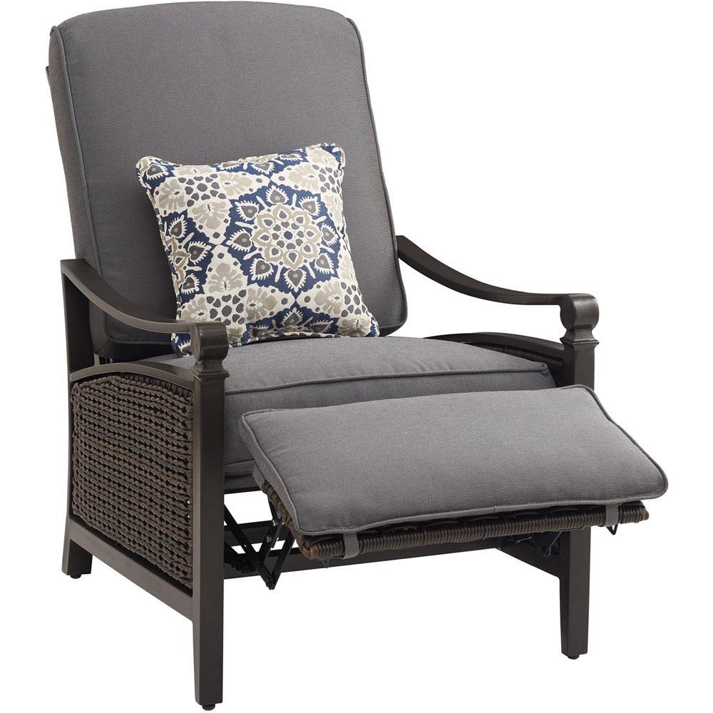 Reclining Garden Chairs for Enjoying Open Air