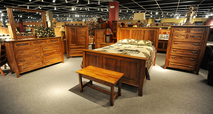 Decorating your home with the Amish furniture