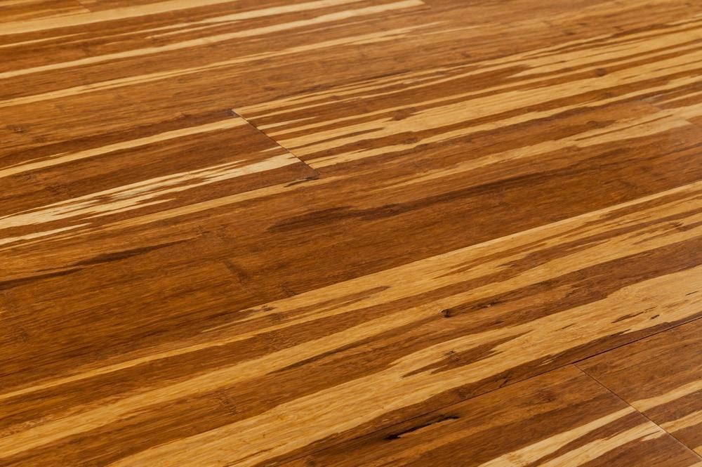 bamboo flooring yanchi-strandwovern-click-bamboo-new-tiger-angle RNKCFPU