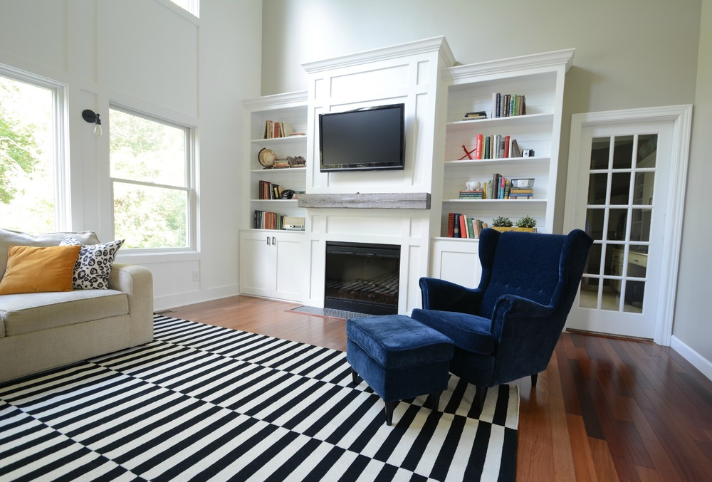 black and white rug decor living room updates {ikea stockholm rug} black, white, navy. barn beam ZQZLNLQ