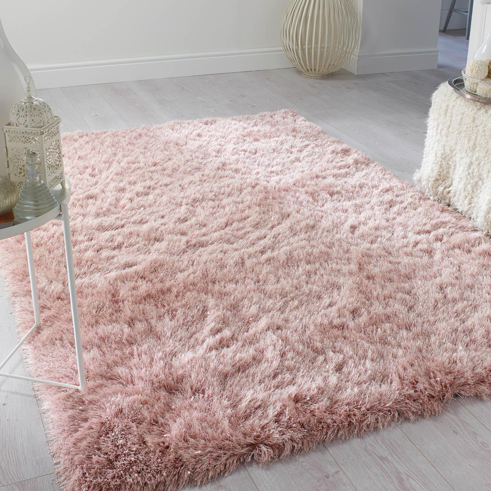 Captivating pink rug