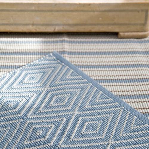 Indoor outdoor rugs dash and albert diamond slate/light blue indoor/outdoor rug DTEWGCN
