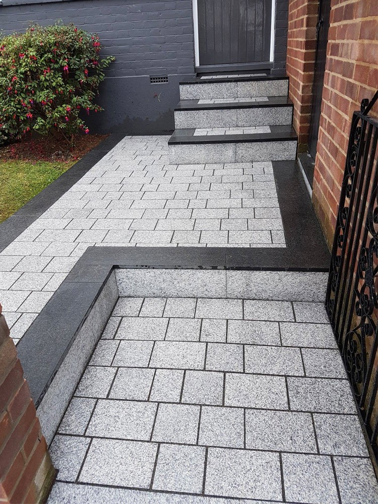 light grey sawn driveway granite setts - block paving CZCFEVP