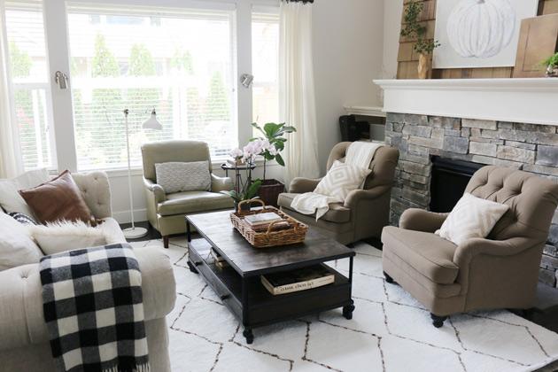 living room rug moroccan shag rug in the living room / jones design company LDDEIYJ