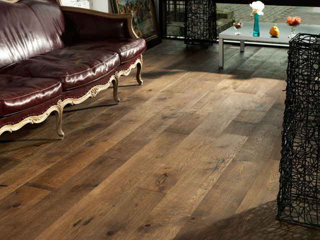 oak old venice- wide plank hardwood flooring traditional-living-room PBNNMMU