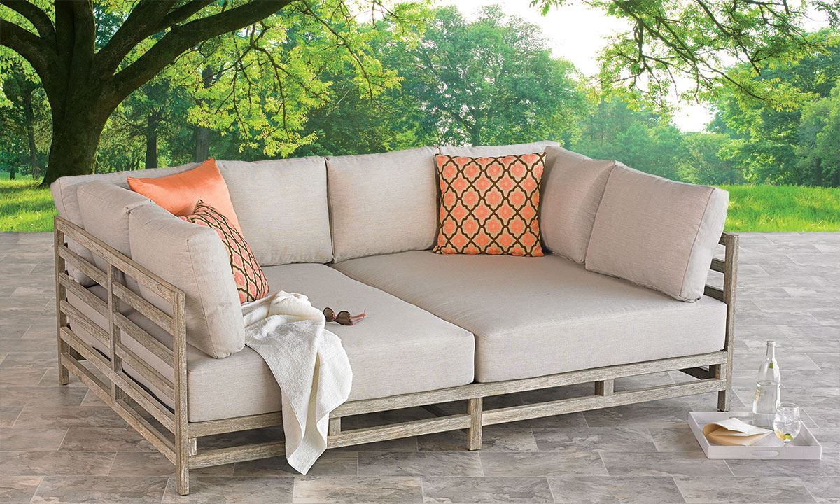 Outdoor Daybed for Your Quality Time in The Patio