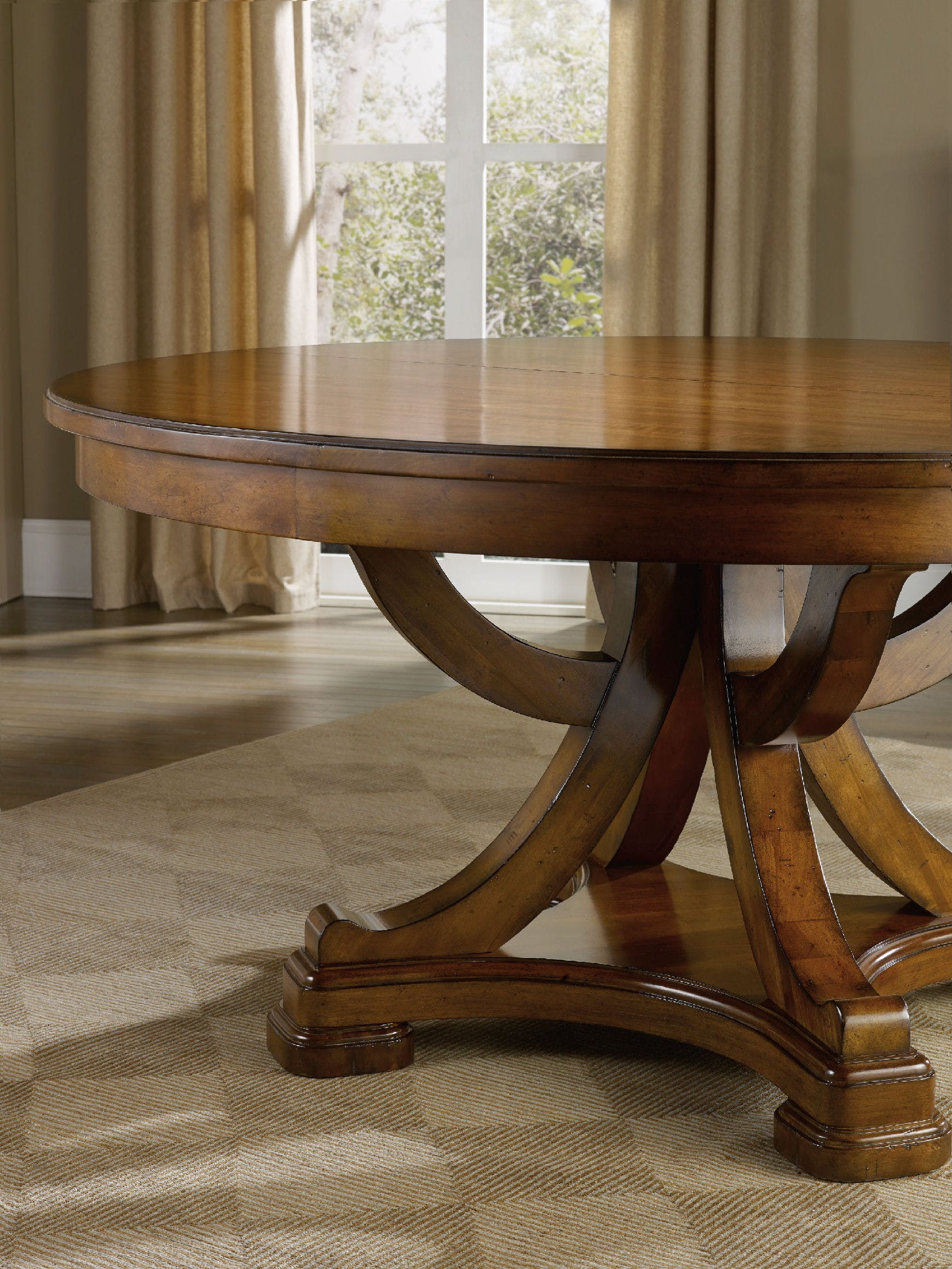 Round Pedestal Dining Table for Family Dining Style