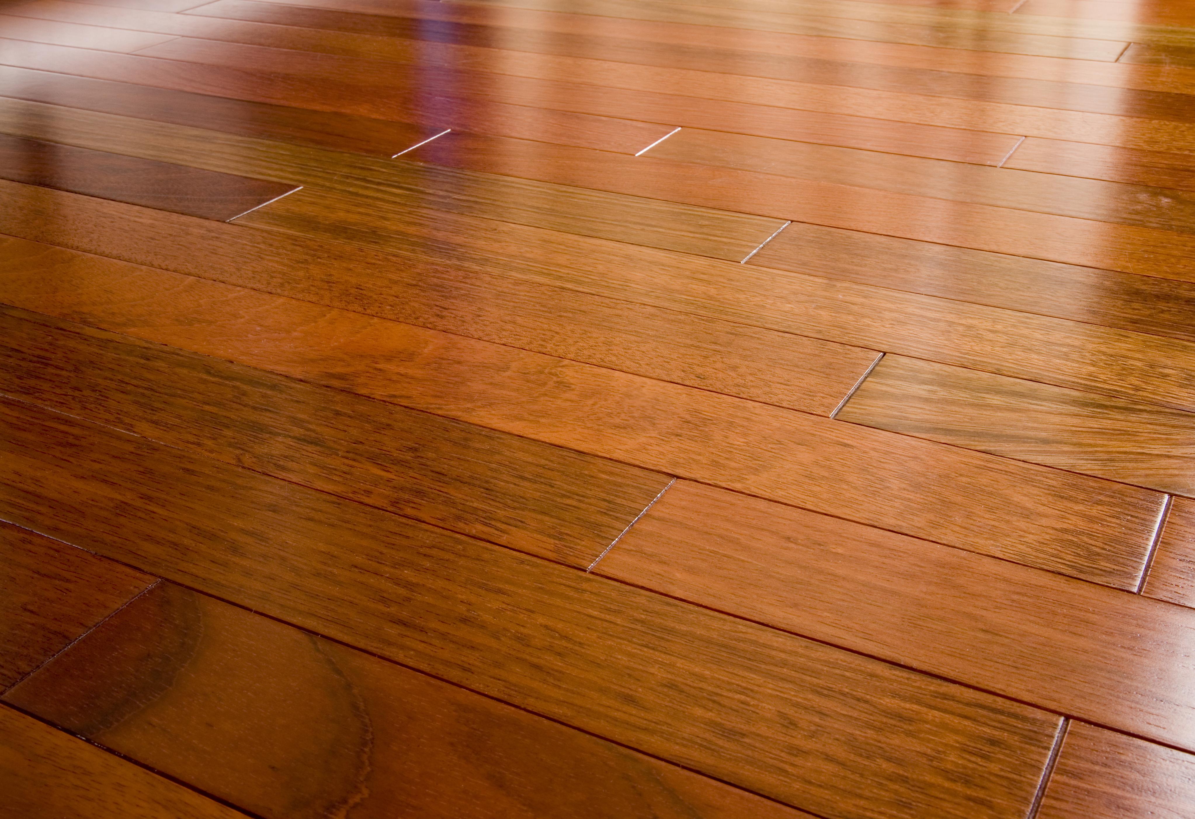 wooden flooring having ... NUHIMDJ
