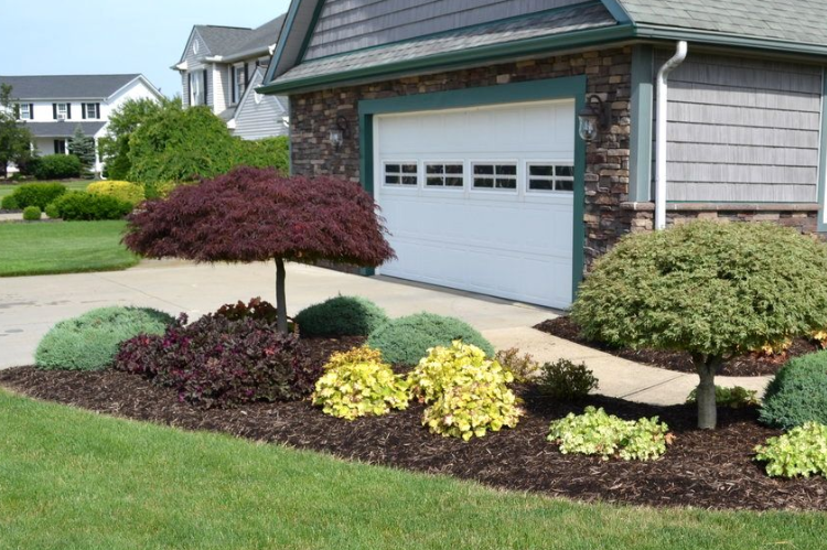 ... simple front yard landscaping ideas on a budget 7 YXFVXEK
