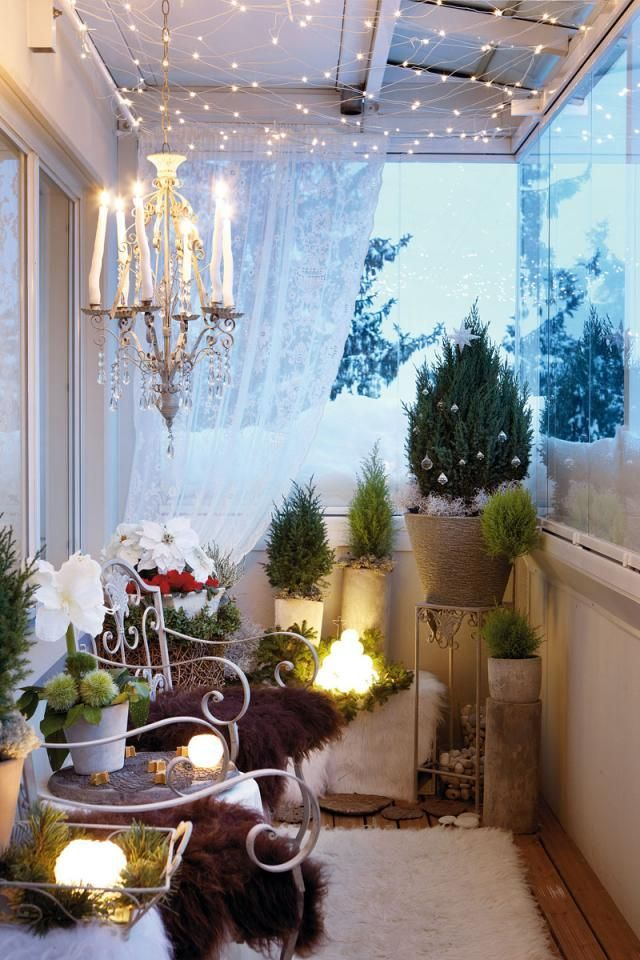 Apartment Balcony Christmas Decorating Ideas