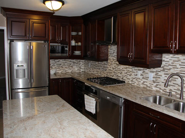 cherry kitchen cabinets with granite countertops dark cherry coloured custom kitchen cabinets with granite countertop kitchen QDLZVXE