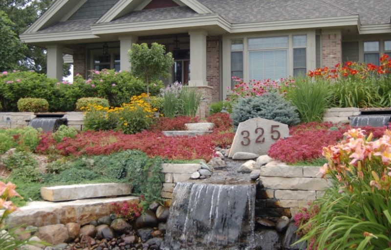 Attractive Front Yard Landscaping Ideas with Rocks