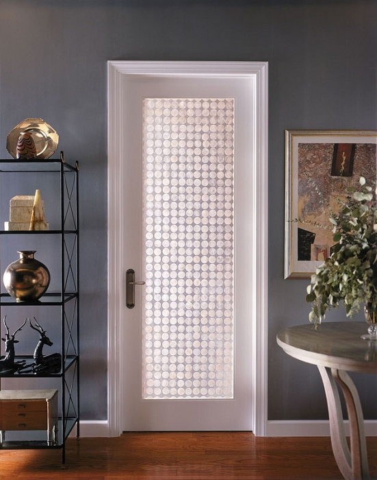 Interior Doors With Frosted Glass Panels: To Be Considered or Not?