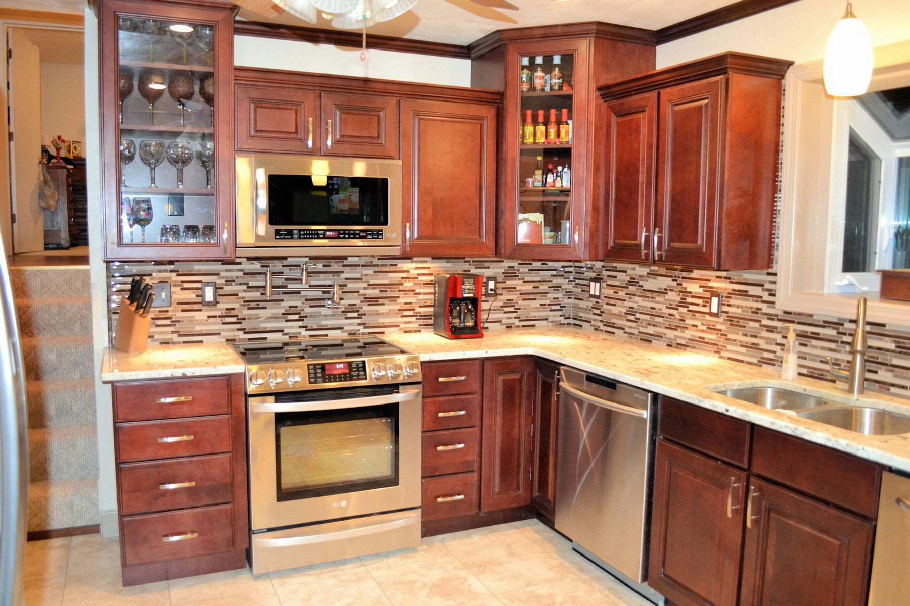 kitchen color schemes with cherry cabinets best kitchen color with cherry cabinets KBHZBMS