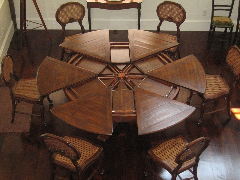 Round Dining Table Set With Leaf Extension: What Is It And How It is Used?