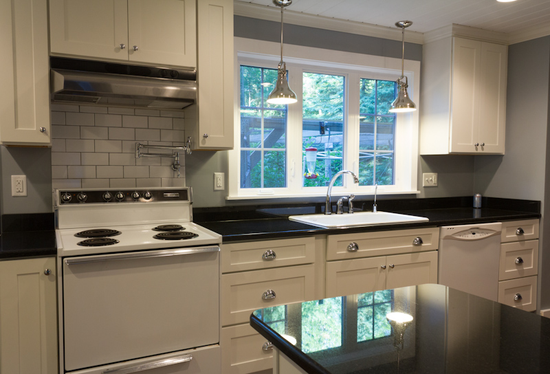 white kitchen cabinets with white appliances white kitchen with white appliances YAVSMSQ