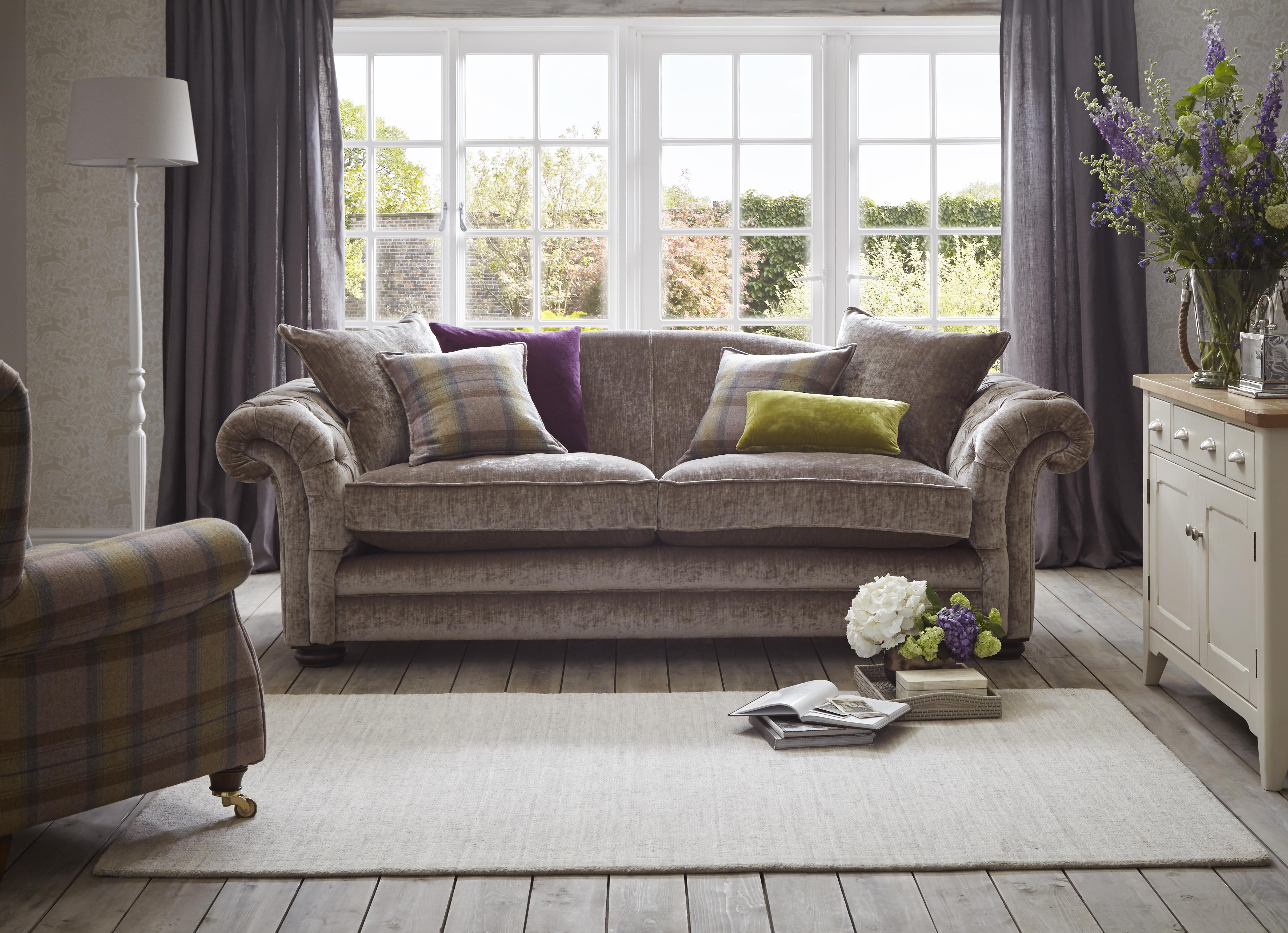 Brown Sofa – A practical Choice for Your   Living Room