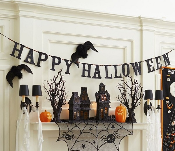 Best Tips for Hanging Halloween Decorations 2018 | Home Decor Buzz